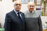 в торжественной обстановке руководители НАОРЦ поздравили с 80-летним юбилеем В.И.Тарасова