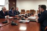 В Совете Федерации состоялась рабочая встреча Первого Заместителя председателя Комитета по аграрно-продовольственной политике и природопользованию С.Ф.Лисовского с Руководителем Ассоциации компаний - производителей оборудования