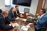 В Научном Центре Евразийской Интеграции состоялись переговоры Советника генерального директора Российско-Китайского Инвестиционного Фонда Регионального Развития Владимира Ремыги с совладельцами компании 'МаэстроВерде РР' Доминго Лианца и Джанлукой Болдини.