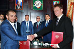 В администрации района состоялась встреча с делегацией НАОРЦ, во главе с исполнительным директором Владимиром Лищуком, прибывшей на церемонию 'закладки первого камня' в строительство ОРЦ 'Юждаг - Магистраль'.